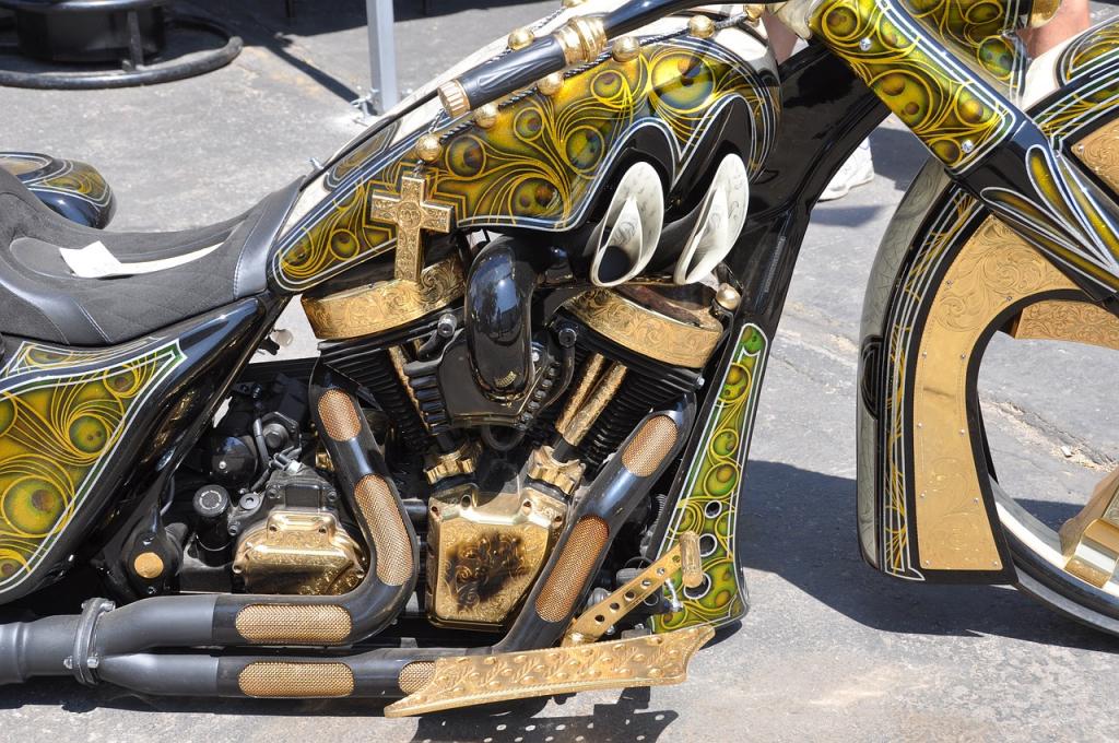 Auch Motorräder können mit einem Airbrush Kompressor neu gestaltet werden